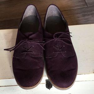 GAP plum suede Oxford shoes ~ Size 8